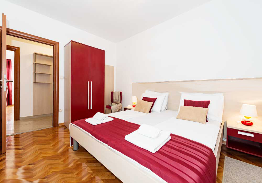 Podstrana apartment to book